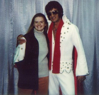 Sarah and Elvis together in Kansas City