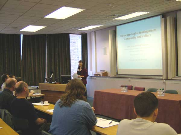 Photo (25KB) : Helen Sharp from The Open University talks about co-located agile development.