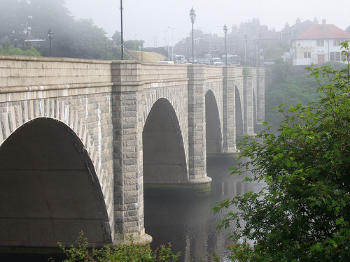 photo () : Figure 9 : The King Street Bridge over the River Don, a short stroll from Hillhead