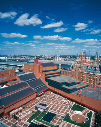 photo (83KB) : Roof-top view of the British Library, photo courtesy of Clive Sherlock.
