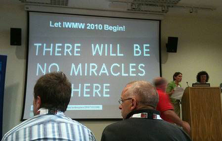 photo (24KB) : Health warning at opening of IWMW10 Workshop