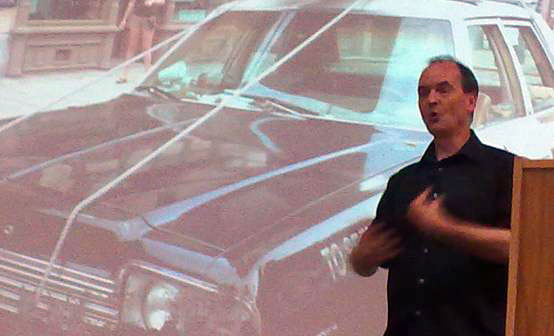 photo (32KB) : Jeremy Speller advocates the direct involvement of Web teams in disaster management