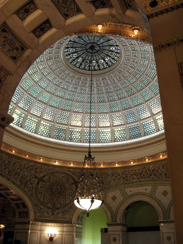 photo (60KB) : An excellent conference dinner was held at the Chicago Cultural Center.